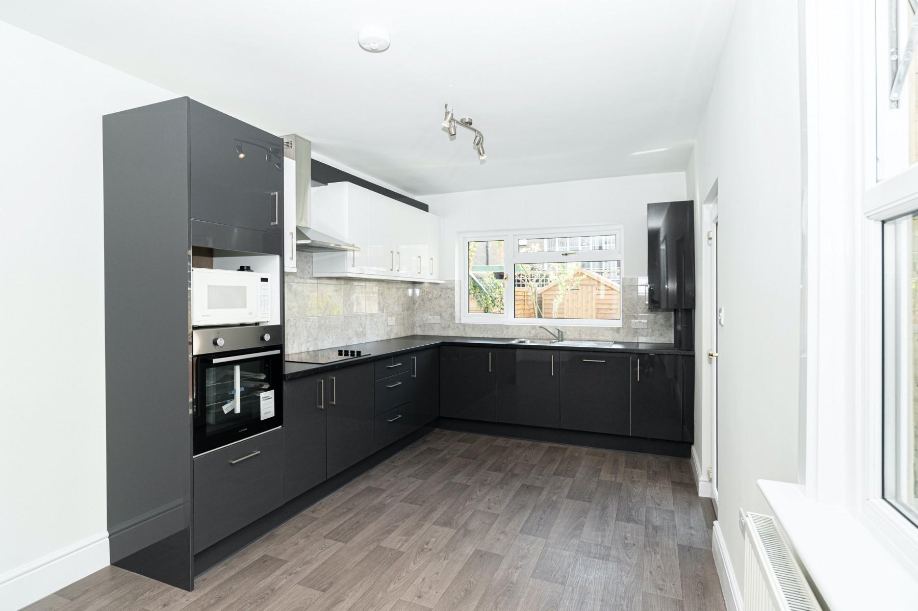 Kitchen installation in Peckham