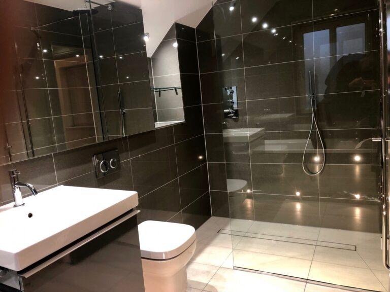 Bathroom completion, Canary Wharf